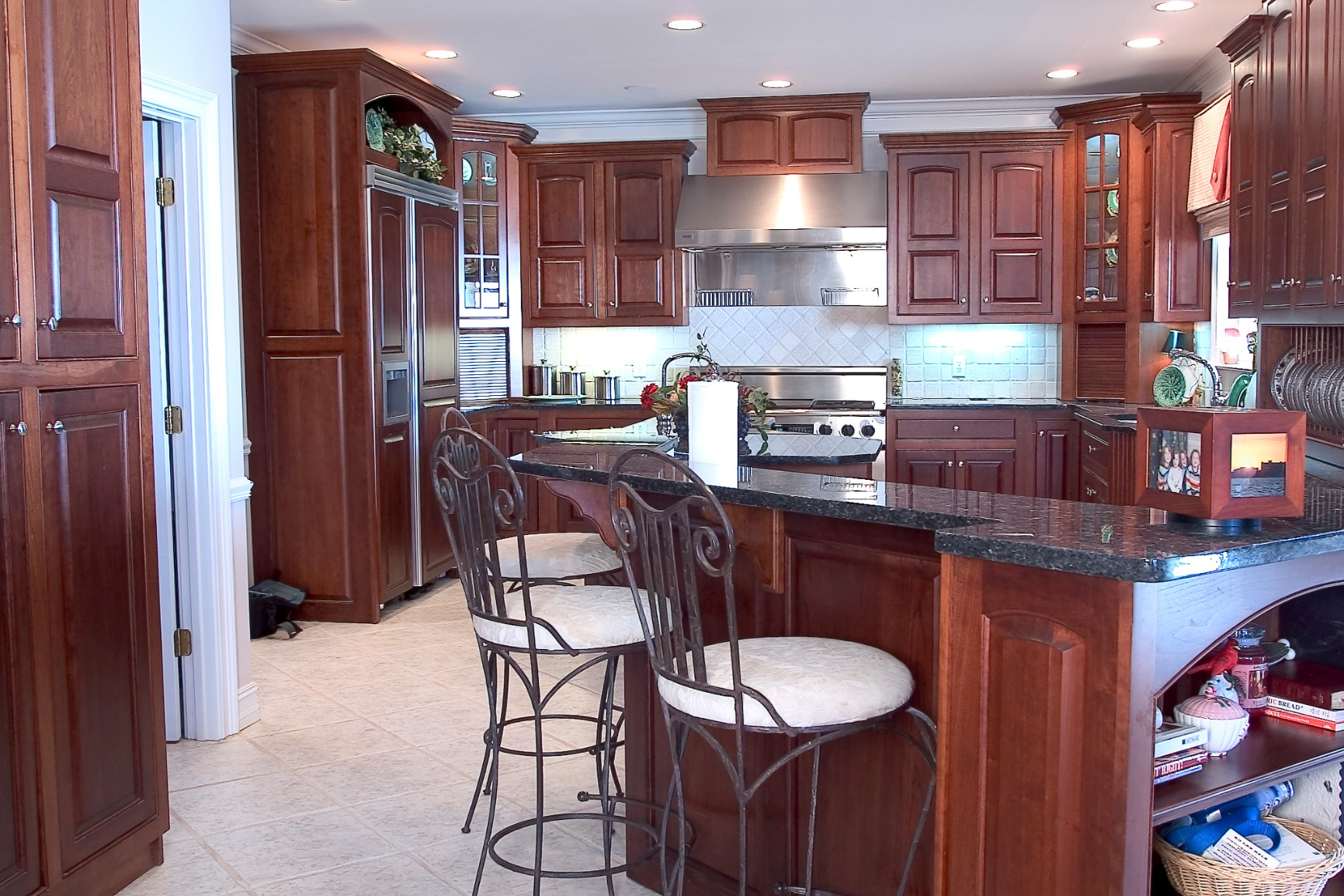 cherry kitchen cabinets with nutmeg finish. Black Bedroom Furniture Sets. Home Design Ideas
